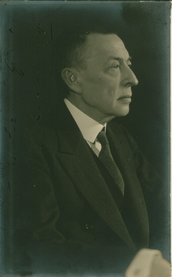 Rachmaninoff, Sergei - Postcard Photograph Signed - (4078)