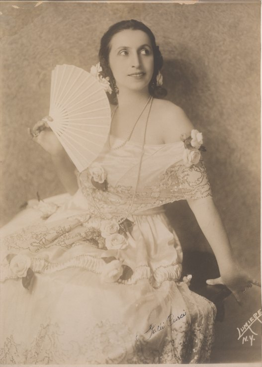 Galli-Curci, Amelita - Photograph As Violetta - (3684)