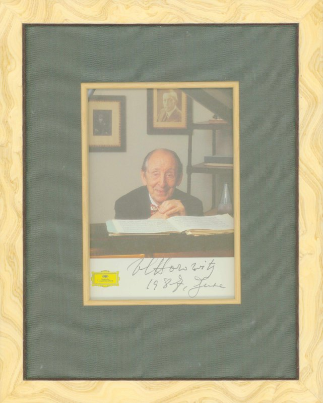Horowitz, Vladimir - Photograph Signed - (6899)