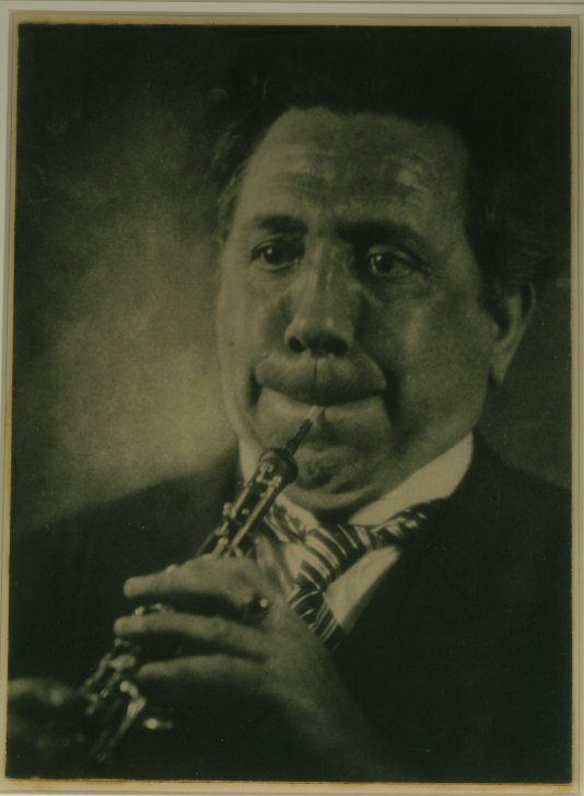 Oboe - Portrait - An Original Thorek Photograph. - (2533)