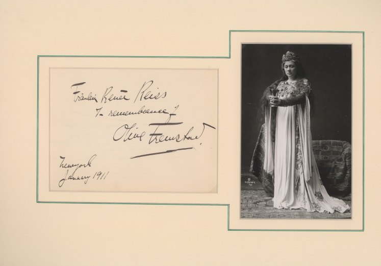 Fremstad, Olive - Ensemble With Signature & Photo As Isolde. - (3706)