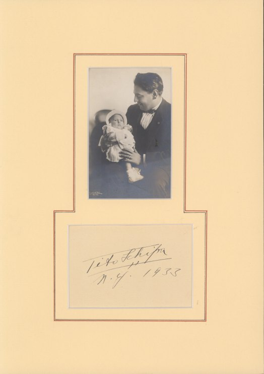 Schipa, Tito - Ensemble With Signature And Photograph. - (3687)